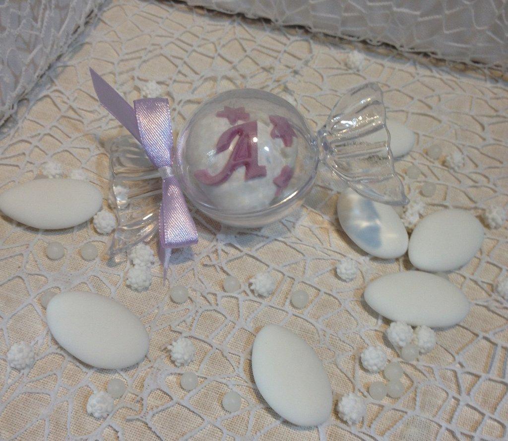 Confezione confetti decorati in astuccio