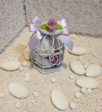 Confezione confetti decorati in gabbietta