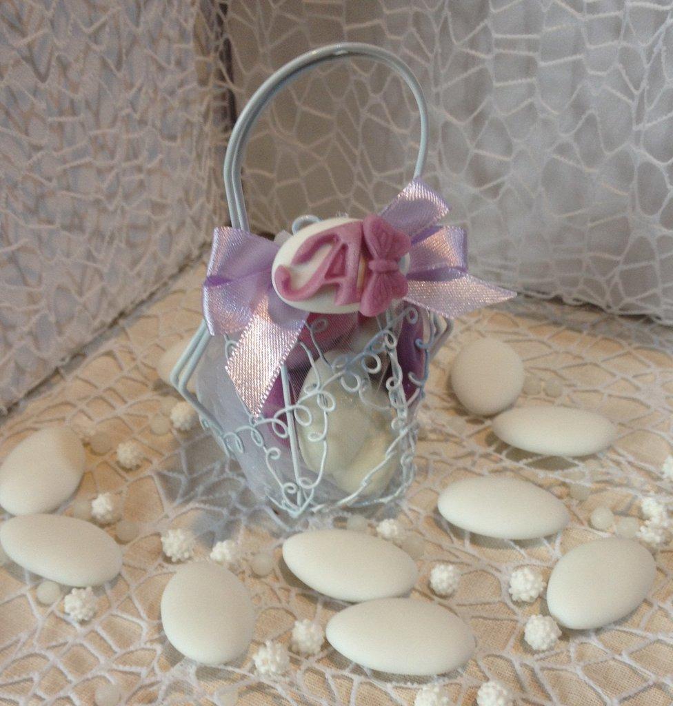Confezione confetti decorati in gabbietta borsetta