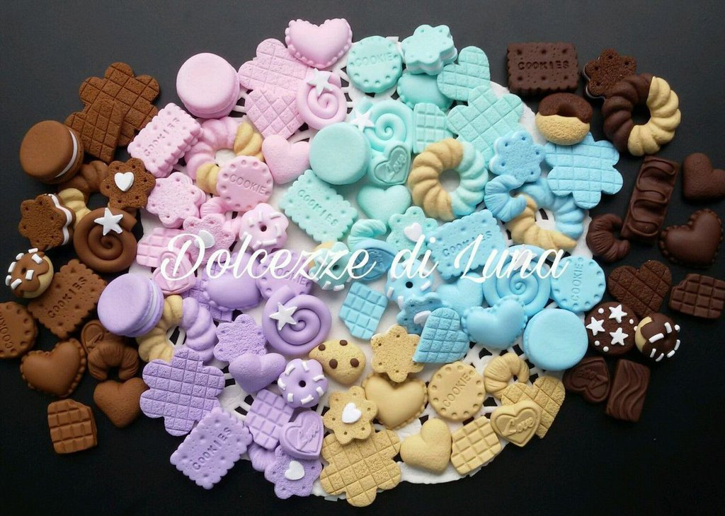 100 ciondoli in fimo fatti a mano,per scatole,cover bomboniere,dolcezze di luna