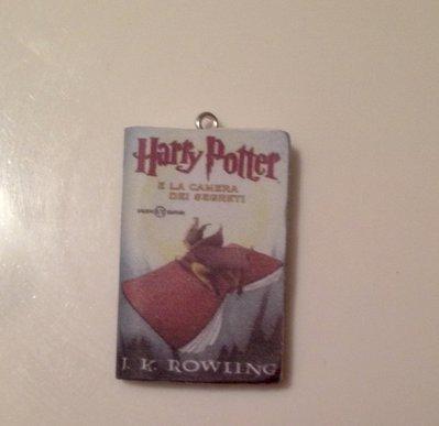 Ciondolo libro Harry potter miniatura
