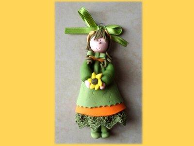 Bambolina da appendere green-orange