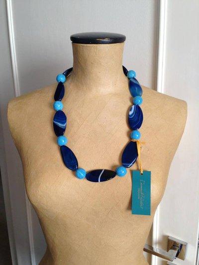 Collana con pietre dure blu e turchese