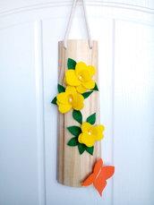 tegolina in legno con fiori in feltro
