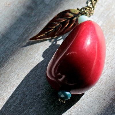Collana Boho in bronzo anticato con ciondolo rosso