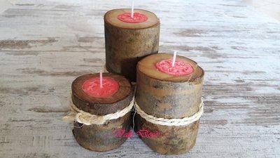 """""""Il legame"""": candela fuxia nel legno di faggio"""