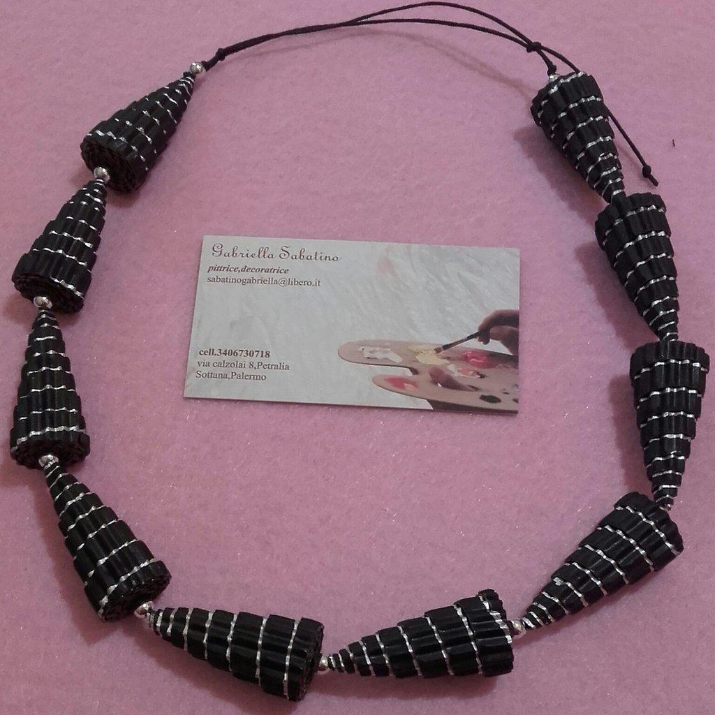 collier con perle coniche di carta  nero-argento