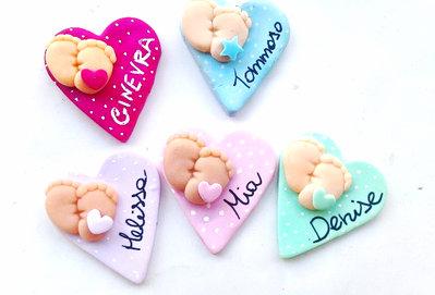 lotto stock 1 ciondolo charm o magnete fimo bomboniera neonato bimba battesimo nascita piedini ciuccio biberon carrozzina
