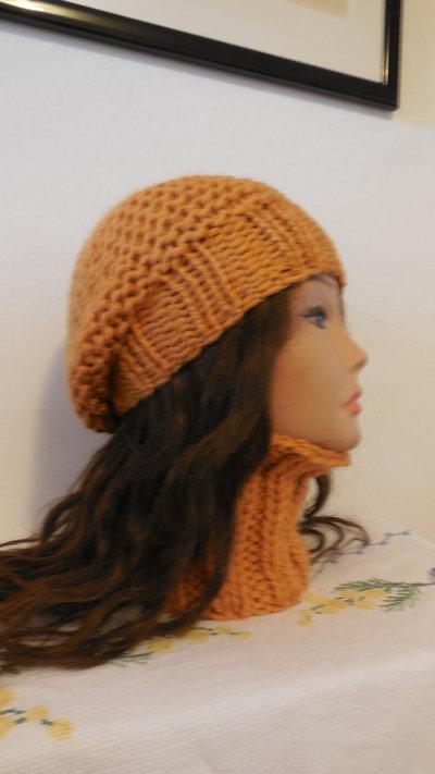 Completo in lana basco e scaldacollo