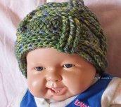 Berretto cappello bimbo verde azzurro in misto lana all'uncinetto