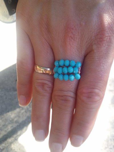 Anello con 15 perle turchesi
