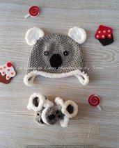 Cappellino con orecchie e scarpine per neonato a forma di koala