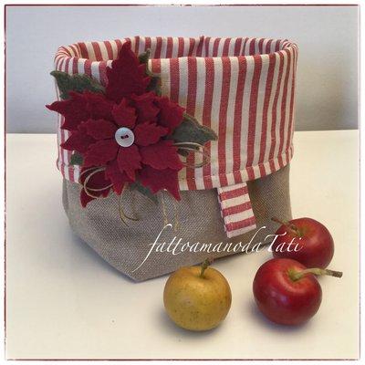 Cestino portatutto in cotone tinta naturale e a righe rosse con stella di Natale
