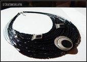 Collana multifilo nera con ciondoli in carta riciclata realizzati a mano