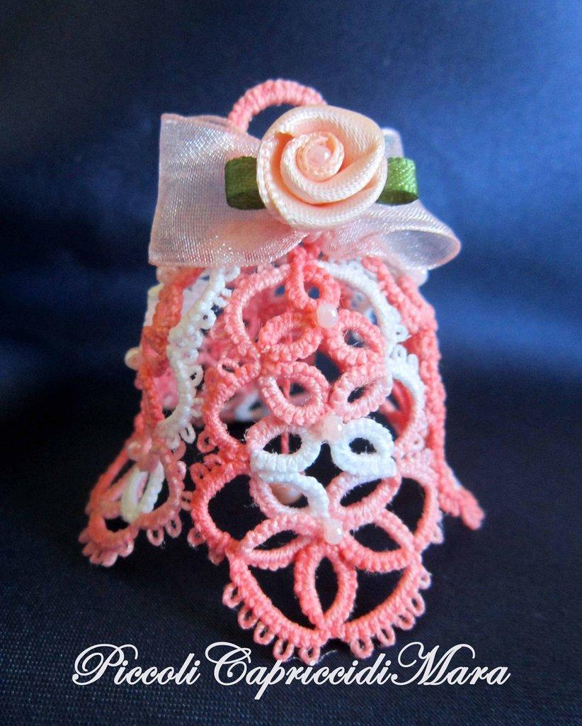 Campanella rosa al chiacchierino e rosellina in raso