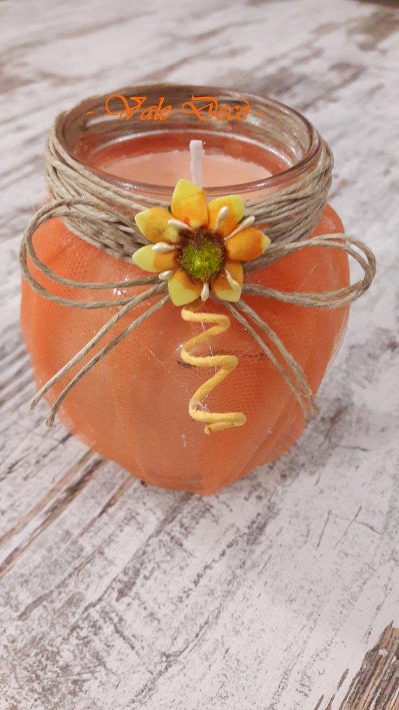Candela handmade arancione in barattolo di vetro