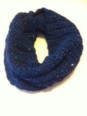 Scaldacollo in pura lana e paillettes