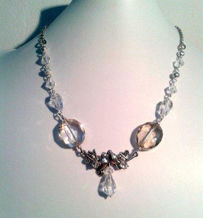 """Collana """"Amore limpido"""" con  perline trasparenti di vetro"""