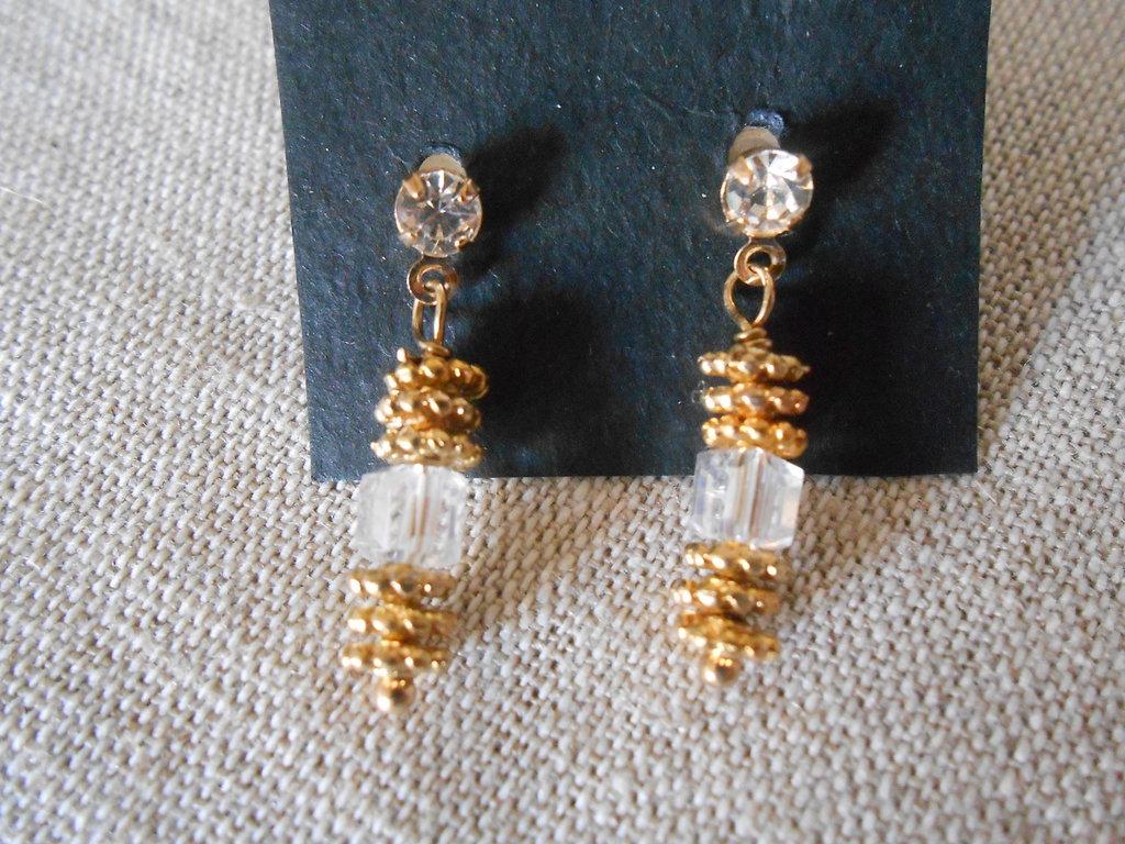 Orecchini pendenti dorati con cristallo quadrato, idea regalo.