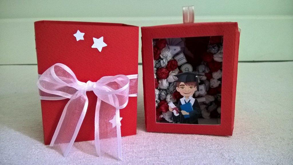 Scatolina auguri laurea - explosion box