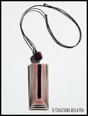 Collana regolabile con grande CIONDOLO rettangolare IN CARTONCINO RICICLATO - bianco, nero e prugna