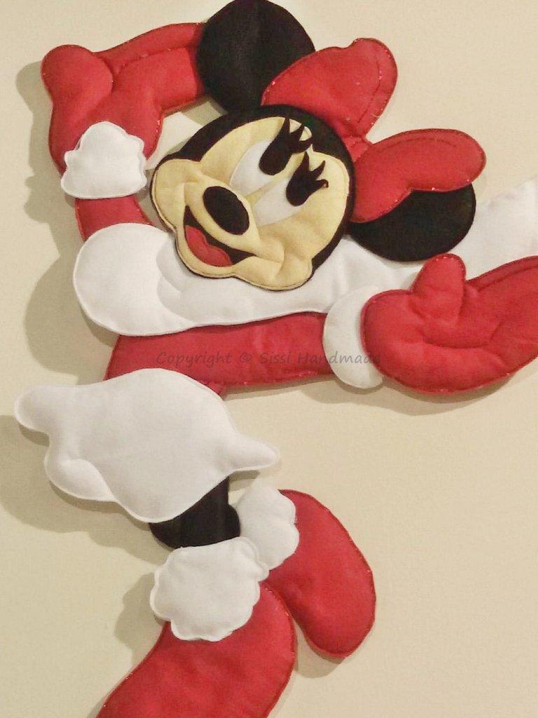 Minnie fuoriporta in pannolenci per il Natale