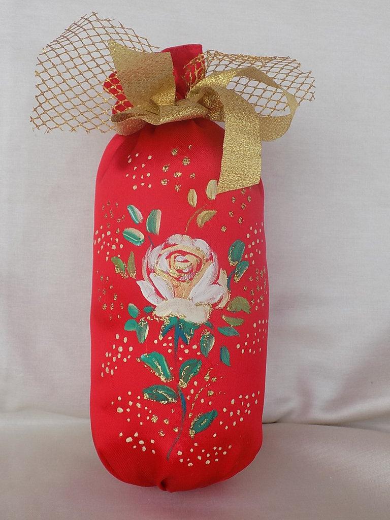 Pendaglio a sacchetto in raso rosso dipinto a mano