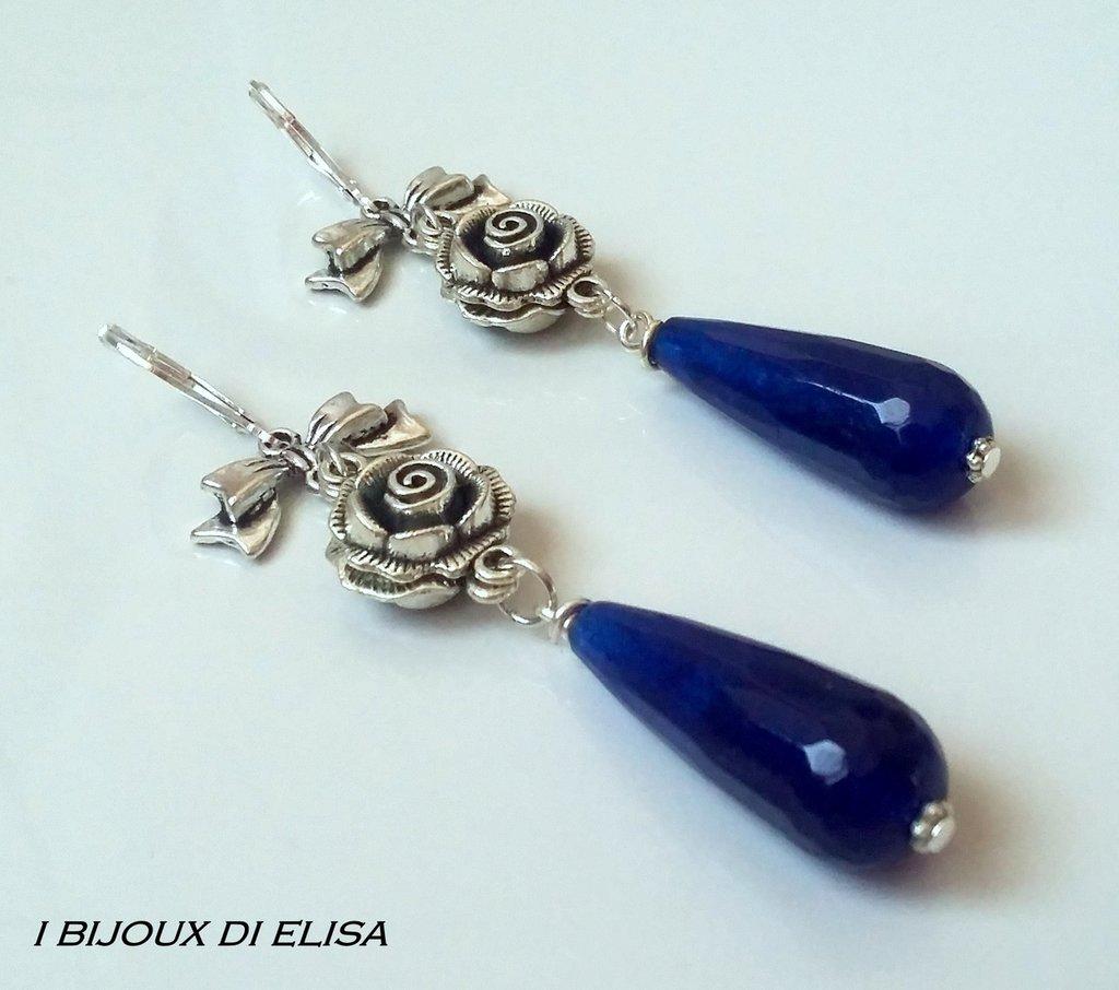 Orecchini eleganti con goccia blu
