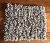 Tappeto in lana grigio