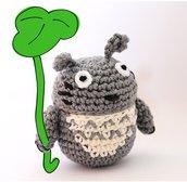 Totoro portaoggetti amigurumi (realizzabile su ordinazione).