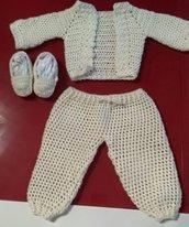 Completo Pantalone, golfino e calzine/mocassini per bambino all'uncinetto