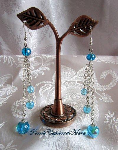 Orecchini con cristalli azzurri, catenella in Argento 925