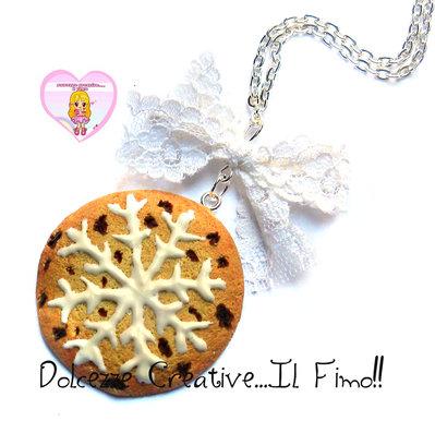☃ Natale In Dolcezze 2016 ☃  Collana biscotto con cioccolato e fiocco di neve in glassa