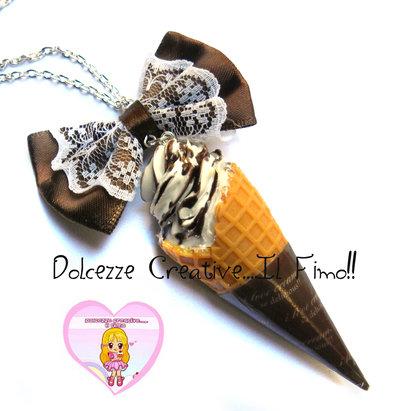 Collana cono gelato con panna e cioccolato - con fiocco marrone