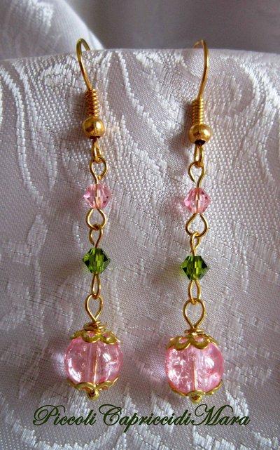 Orecchini con perla rosa, cristallo swarovski (rosa e verde)