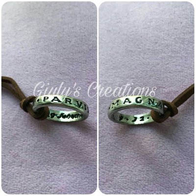 Anello collana Nathan Drake Uncharted Sic Parvis Magna videogames cosplay ring