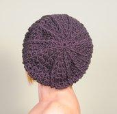 Cappello uncinetto, berretto lana , basco accessorio donna color marrone, cappello inverno. Lavorato a mano. Pronto per la spedizione.