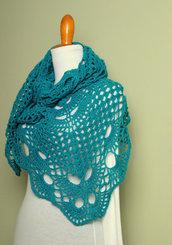 Uncinetto scialle , stola color verde smeraldo , outfit inverno, accessorio donna - Lavorato a mano. Pronta consegna