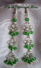 Orecchini in chainmail, cristalli verdi