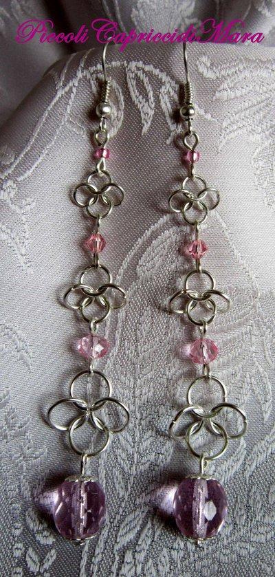 Orecchini in chainmail, cristalli rosa