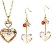 Parure composta da orecchini e collana con cristalli swarovski tema cuore su base dorata idea regalo Natale