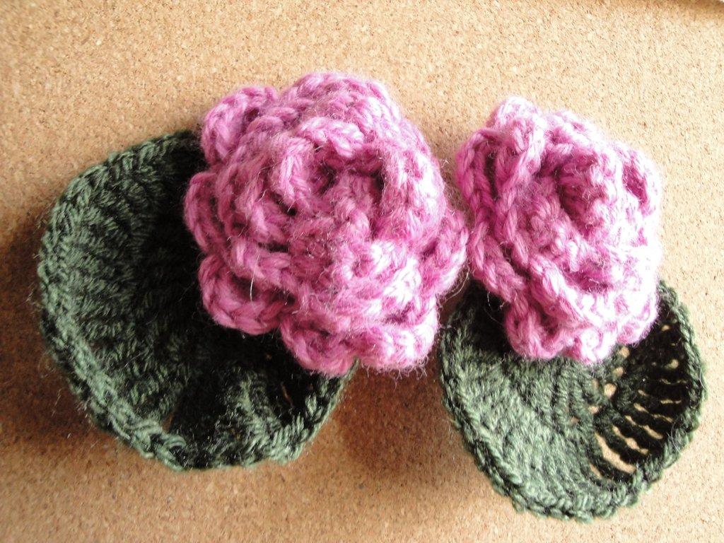Spilla in lana crochet  per applicazione