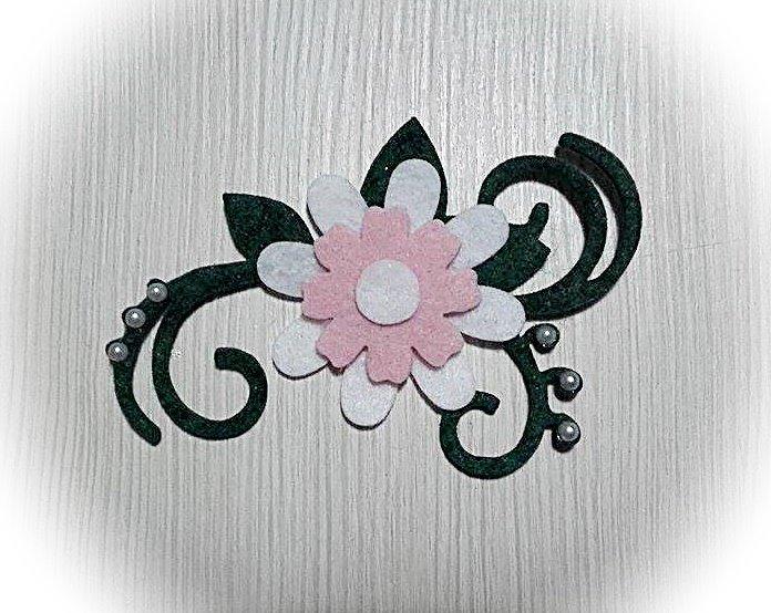 5 decorazioni in feltro e pannolenci