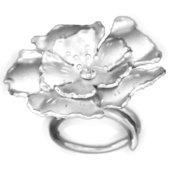 Anello a Fiore in Argento, petali satinati e incisi - Donna Ragazza