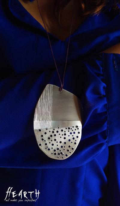 Collana design in alluminio