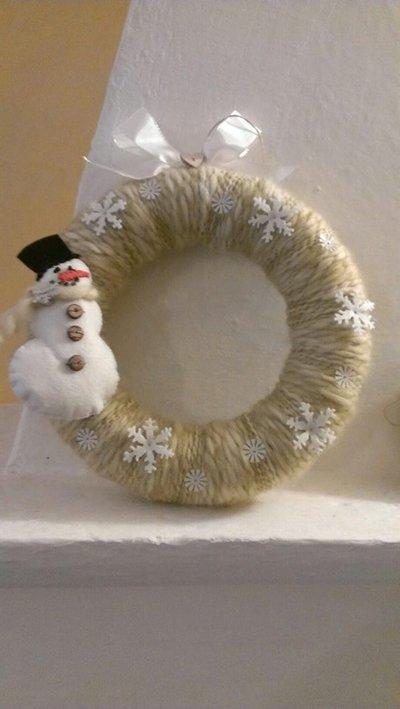 Natale -  ghirlanda fuoriporta in lana e feltro fatta  a mano