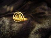 Anello in ottone con spirale