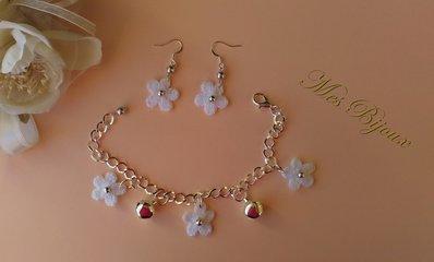 Bracciale e orecchini pizzo moda uncinetto idea regalo Natale, donna ragazza, fiorellini bianchi ,con campanellini