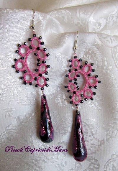 Orecchini rosa al chiacchierino, pendenti in pasta di mais, perline