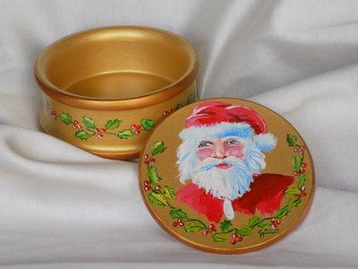 Portagioie natalizio in ceramica dipinto a mano